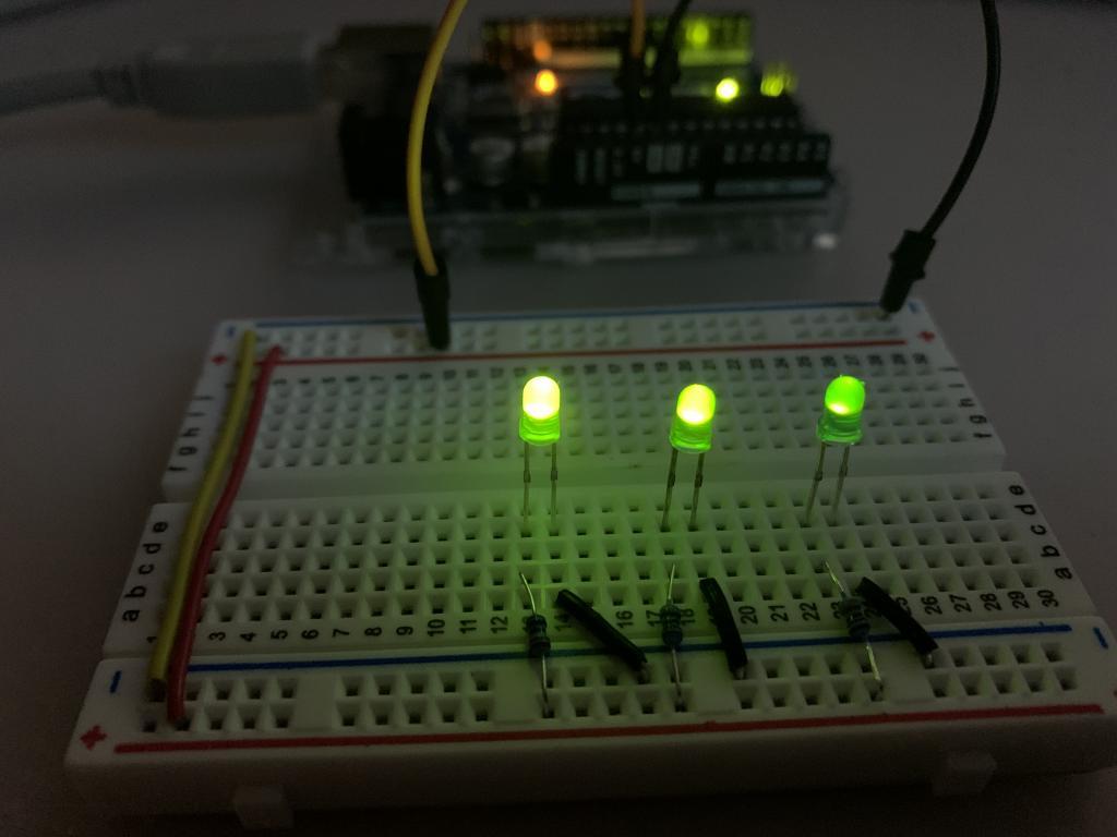 différence de luminosité d'une LED en fonction de la résistance utilisée